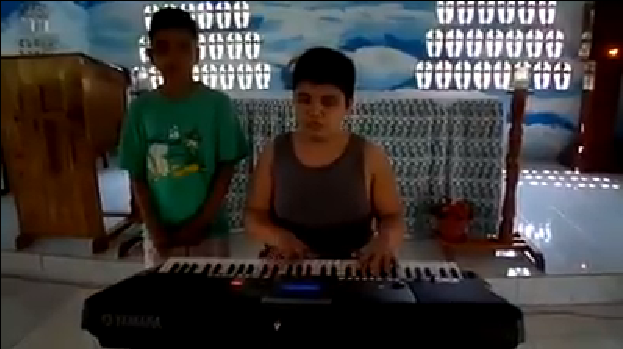 """After their viral video singing """"The Greatest Love of All"""", the blind brothers has another video that will make you cry. image source: Facebook.com These two kids named Joker and […]"""