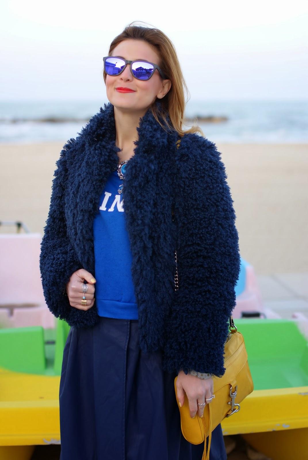Blue faux fur jacket, Infinity sweatshirt, Oakley blue sunglasses, Fashion and Cookies, fashion blogger