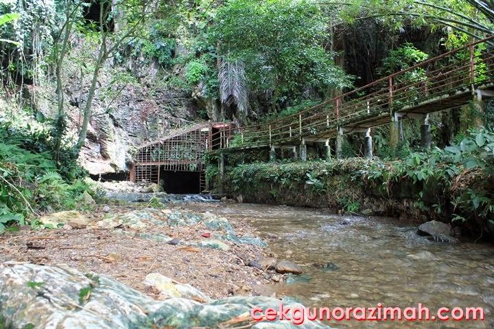 Hiking di Gua Tempurung