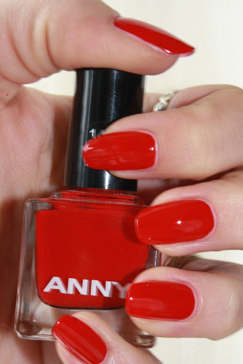 My List Of ....: [ Review ] Anny 142 Woman In Red
