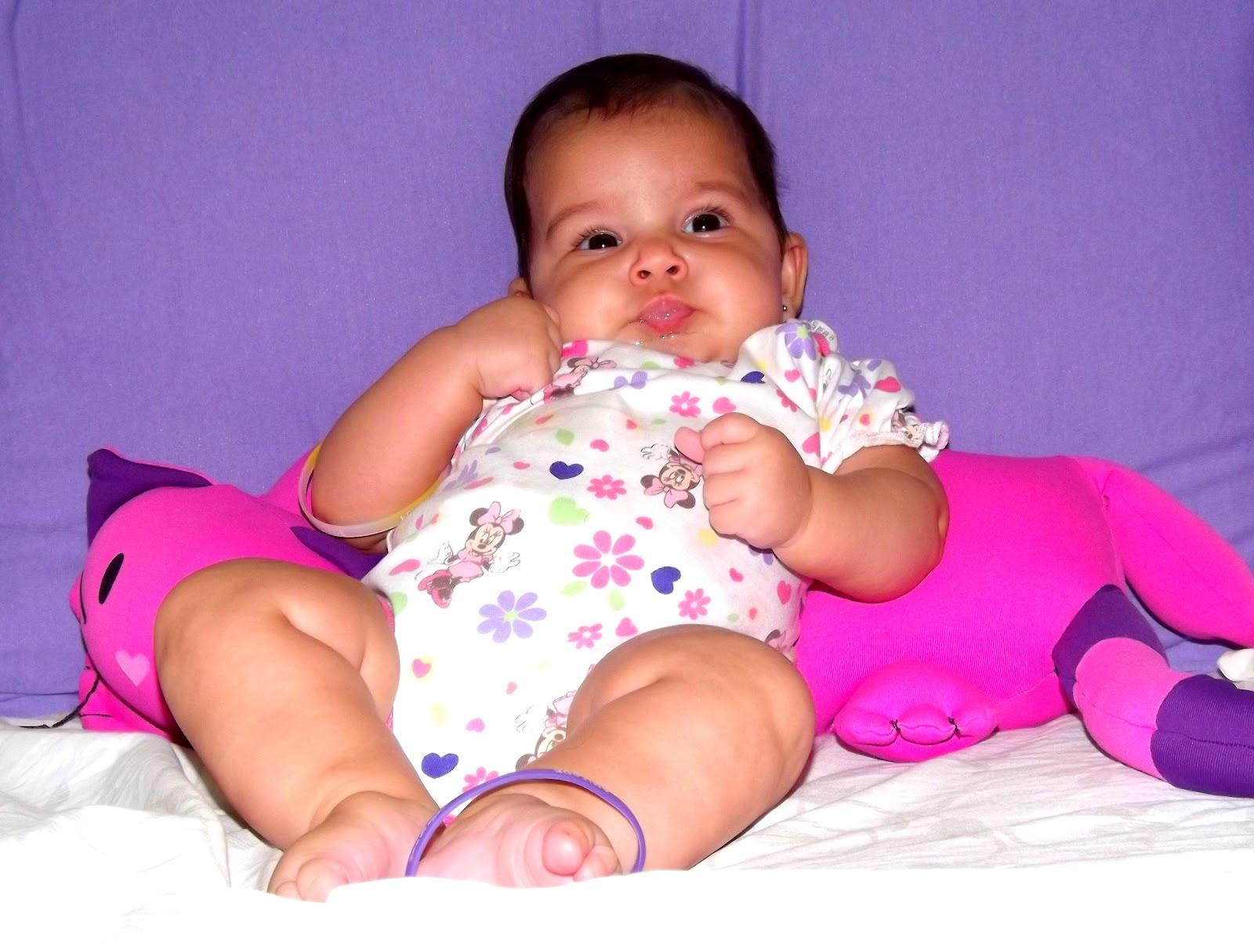 http://3.bp.blogspot.com/-_OpE9sLGQzo/T3NDjpdULEI/AAAAAAAAAmI/Ze_eiF7Yf-o/s1600/Liz+filha+samantha+ponce.jpg
