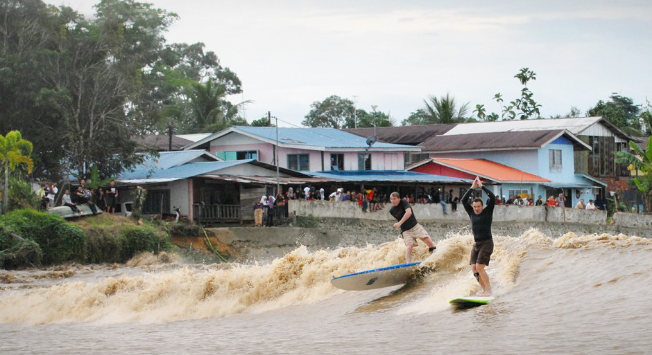 Sri Aman Malaysia  City pictures : ... England, three from Kuala Lumpur and one female surfer from Sri Aman