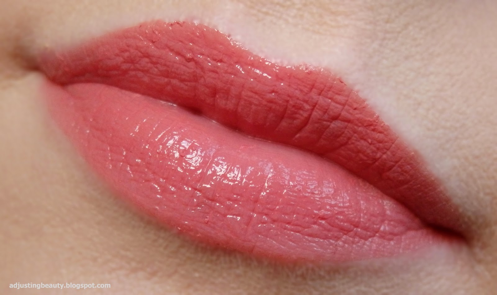 Review Avon Ultra Color Indulgence lipsticks Adjusting Beauty