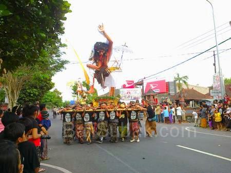Ogoh-ogoh parade 2014 in Bali