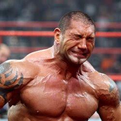 صور أشهر دموع المصارعين في WWE Crying_batista
