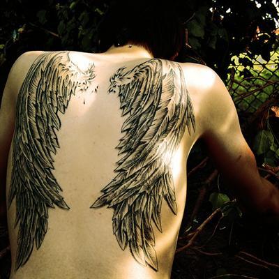 """.""""Ela acreditava em Anjos. E porque acreditava, eles existiam."""""""