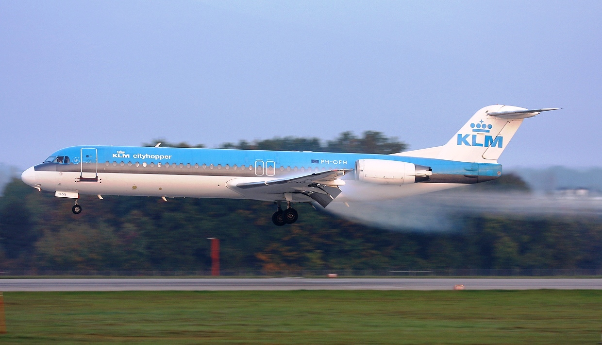 Fokker 100 klm cityhopper aircraft wallpaper 1797 backgrounds wallpapers - Wallpaper pictures ...
