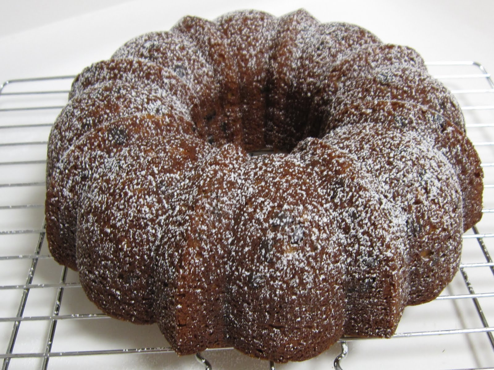 Hannah in the Kitchen: Banana Chocolate Chip Bundt Cake