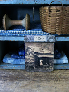 tiny photo tin