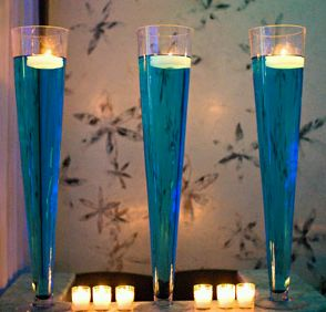 Wedding Decor, Centerpieces and Flower Arrangements in Blue