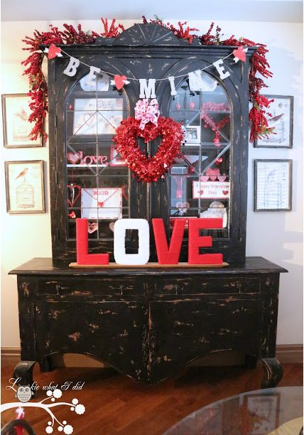 Valentine's Day Hutch Decorations