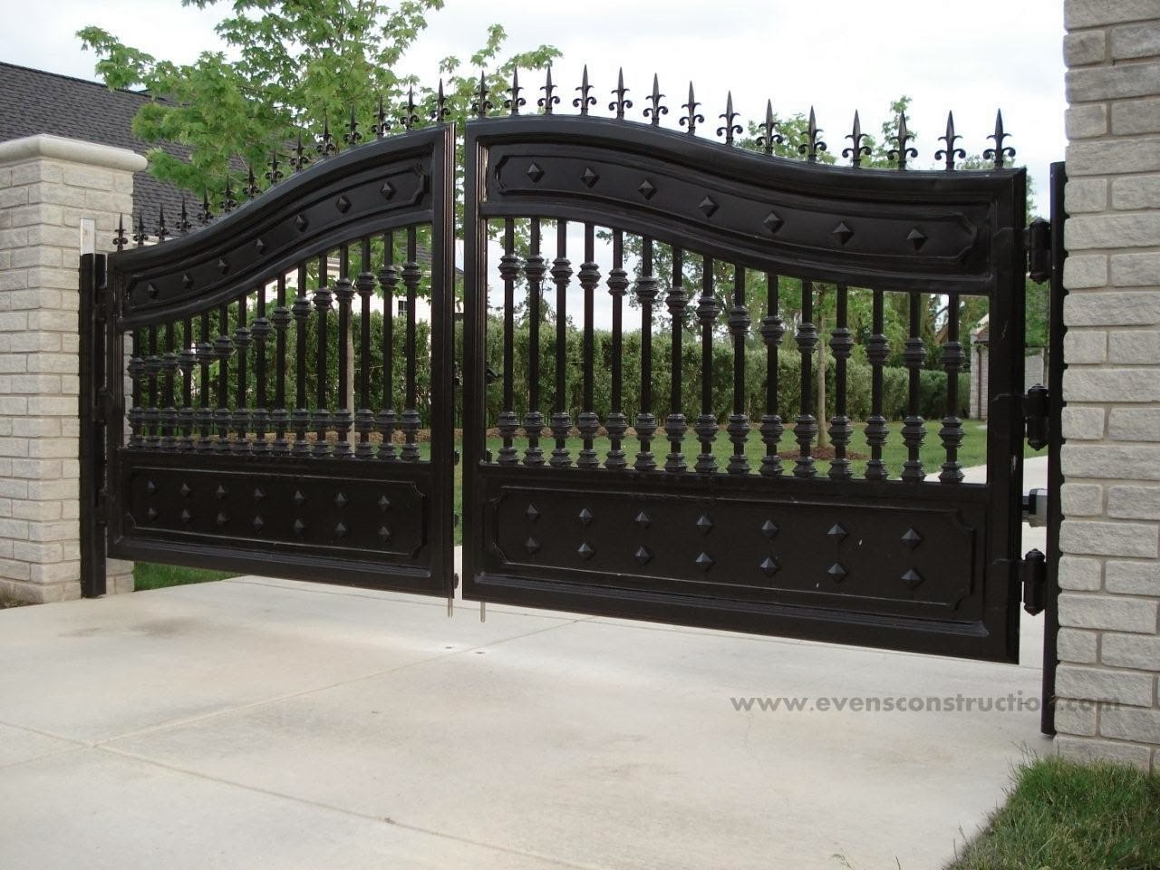 Evens construction pvt ltd compound walls and gates for Front gate design
