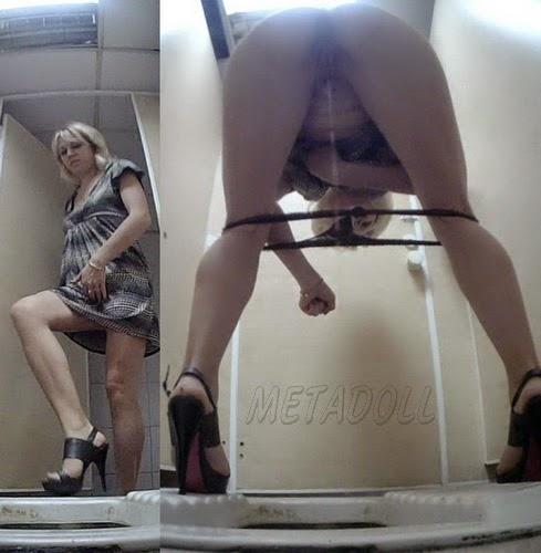 PissHunt 44 (Girls Pissing On Toilet SpyCam)