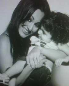 Sonakshi Sinha Childhood Photos with mother