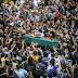 Turcos despiden a joven muerto en protesta; Erdogan tilda a manifestantes de terroristas