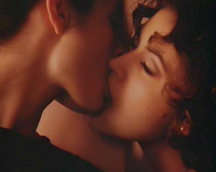 Alyssa milano sex scene lesbian