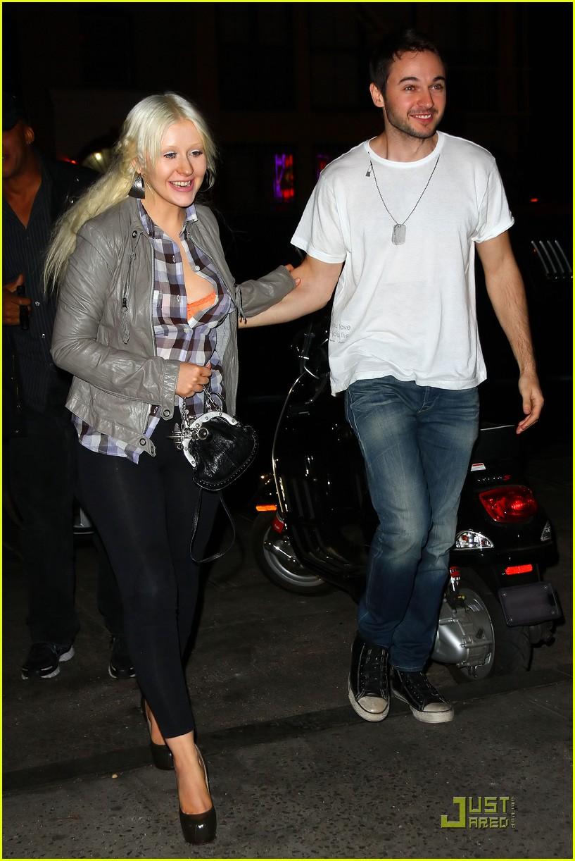 [Tema Oficial] Fotos FAKE de Christina Aguilera... jajaa - Página 5 Christina%2Baguilera%2Bdinner%2Bmatt%2B05