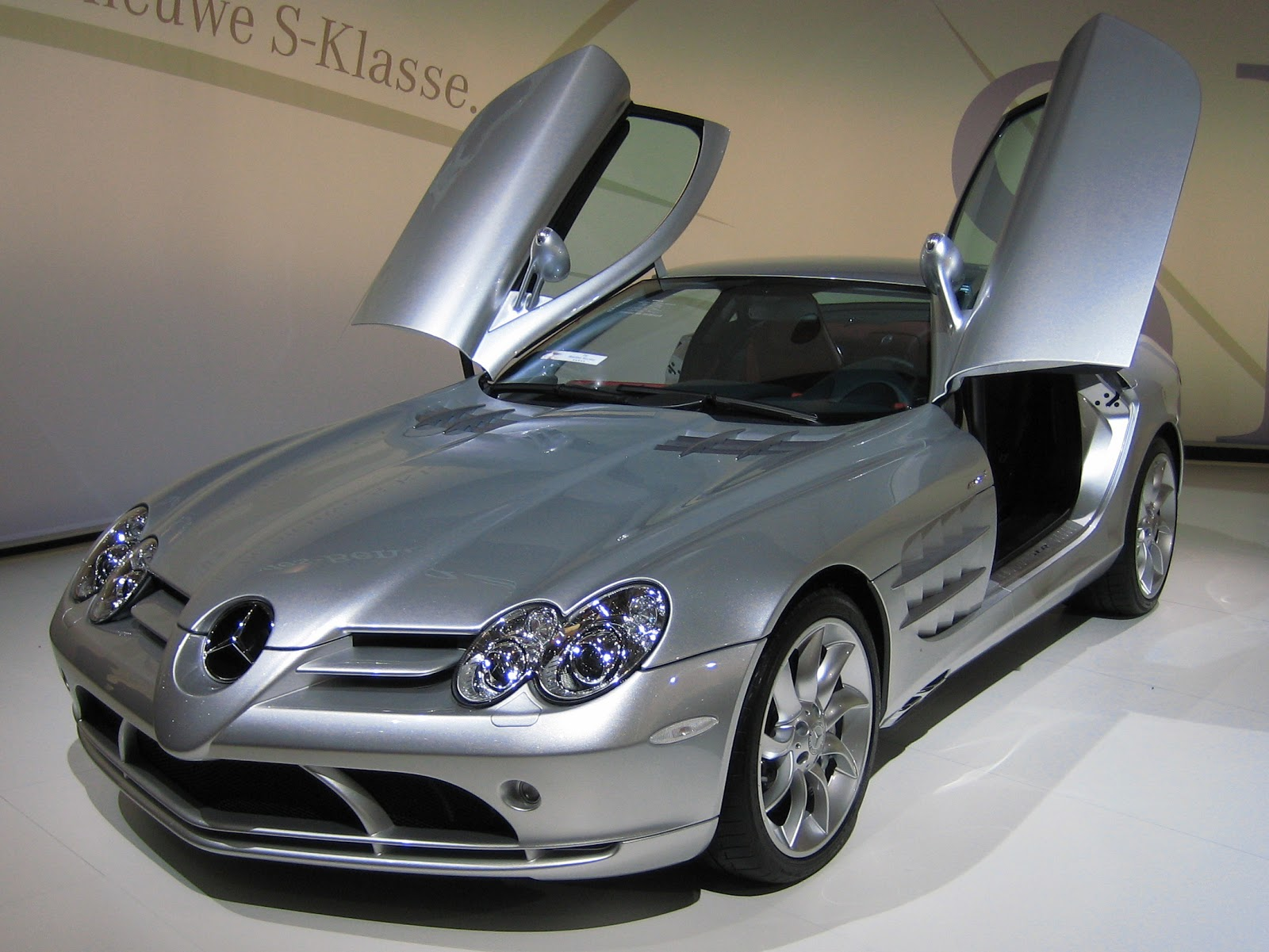 mercedes benz slr world of cars. Black Bedroom Furniture Sets. Home Design Ideas