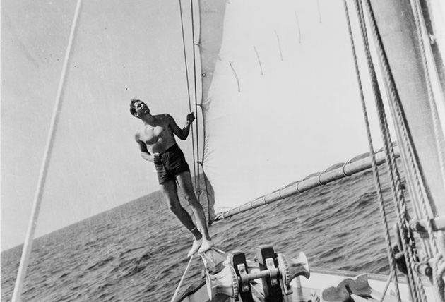 Errol Flynn sailing – Cine Gratia Cinema