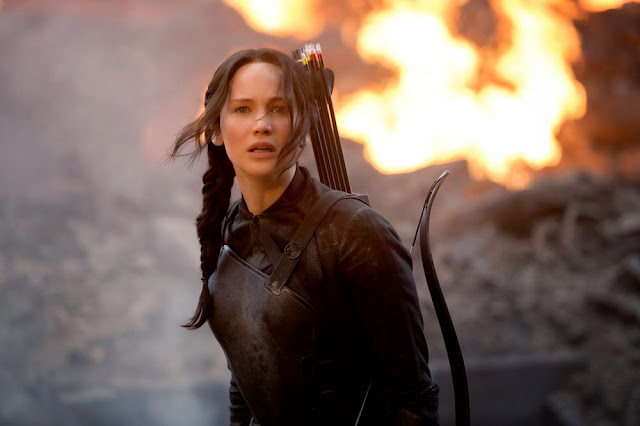 Hunger Games 3 Mockingjay part 1 jennifer lawrence katniss fire movie still