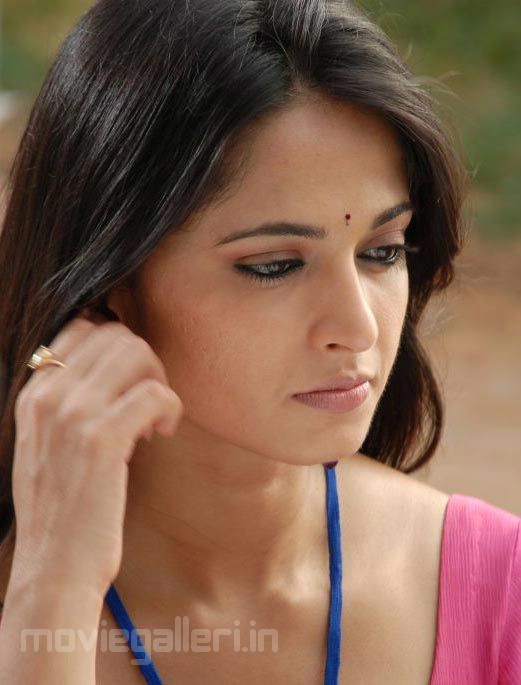 Anushka Shetty Face Close up Stills