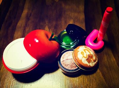 cosmetics makeup tony moly etude house holiday giveaway fashion blog contest