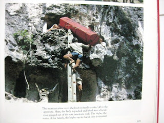 "Buku ""Toraja Indonesia's Mountain Eden"""