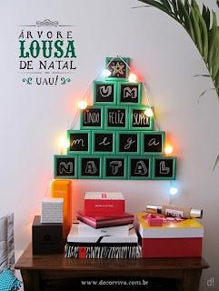 árvore de natal diferente feita com mini lousas