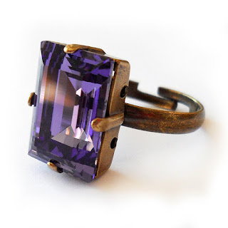 http://dicopebisuteria.com/shop/product-category/sparkly-jewels/