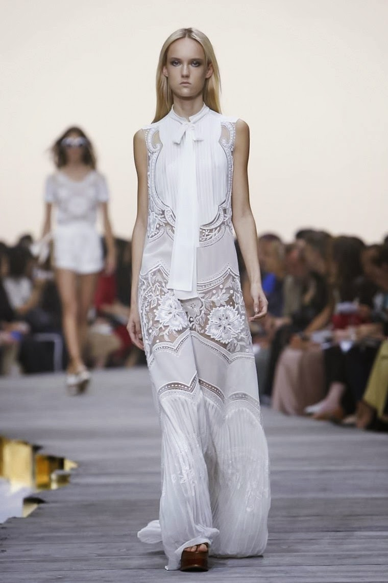 Roberto Cavalli spring summer 2015, Roberto Cavalli ss15, Roberto Cavalli, Roberto Cavalli ss15 mfw, Roberto Cavalli mfw, mfw, mfwss15, mfw2014, fashion week, Roberto Cavalli fashion week, milan fashion week, milano fashion week, Roberto Cavalli glasses, lunettes Roberto Cavalli, du dessin aux podiums, dudessinauxpodiums, vintage look, dress to impress, dress for less, boho, unique vintage, alloy clothing, venus clothing, la moda, spring trends, tendance, tendance de mode, blog de mode, fashion blog,  blog mode, mode paris, paris mode, fashion news, designer, fashion designer, moda in pelle, ross dress for less, fashion magazines, fashion blogs, mode a toi, revista de moda, vintage, vintage definition, vintage retro, top fashion, suits online, blog de moda, blog moda, ropa, asos dresses, blogs de moda, dresses, tunique femme,  vetements femmes, fashion tops, womens fashions, vetement tendance, fashion dresses, ladies clothes, robes de soiree, robe bustier, robe sexy, sexy dress