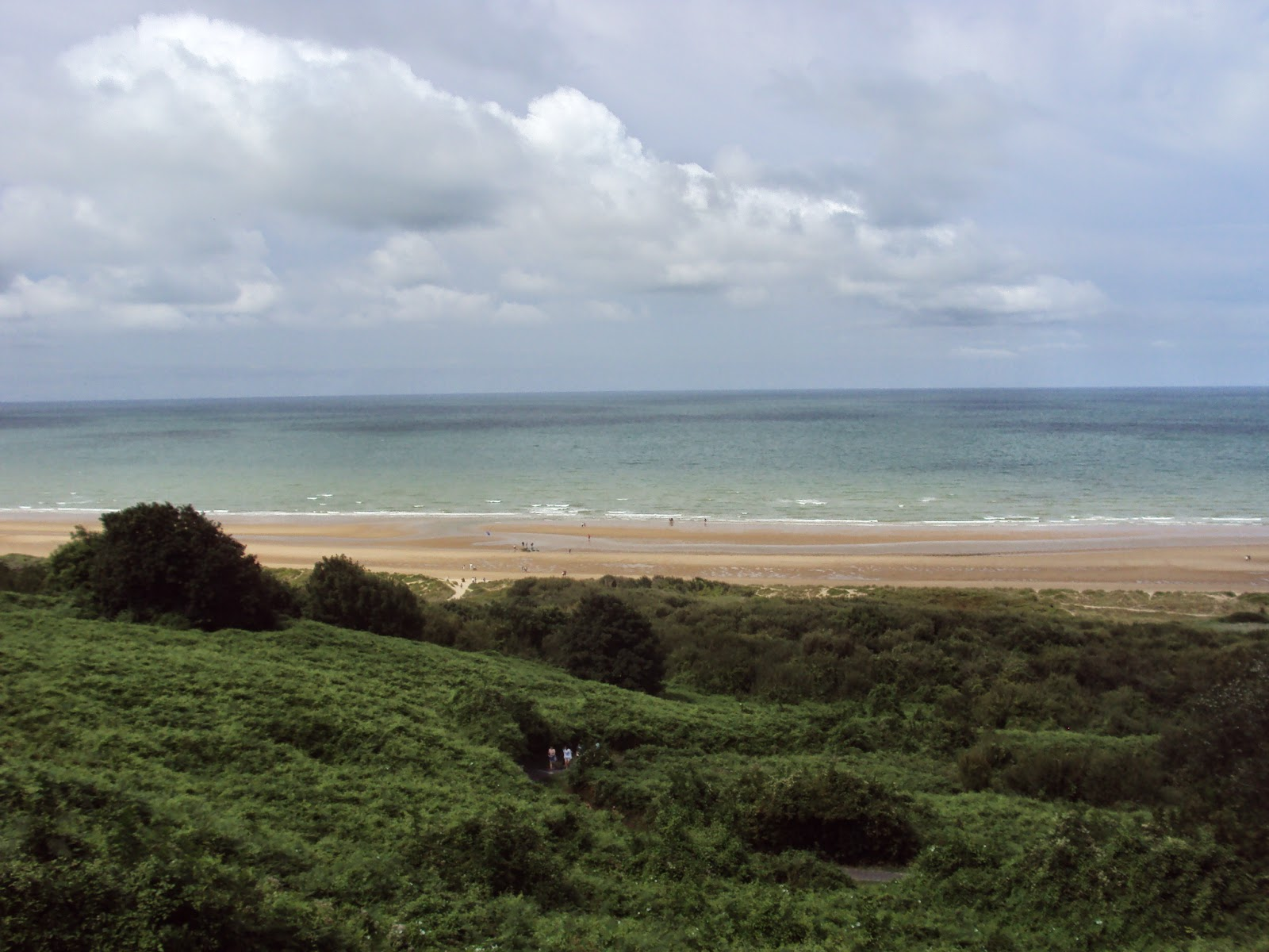 omaha beach Omaha beach is one of the two american landing areas in normandy 59 kilometers long, this beach is 12 kilometers east of utah beach it consists of the towns of.