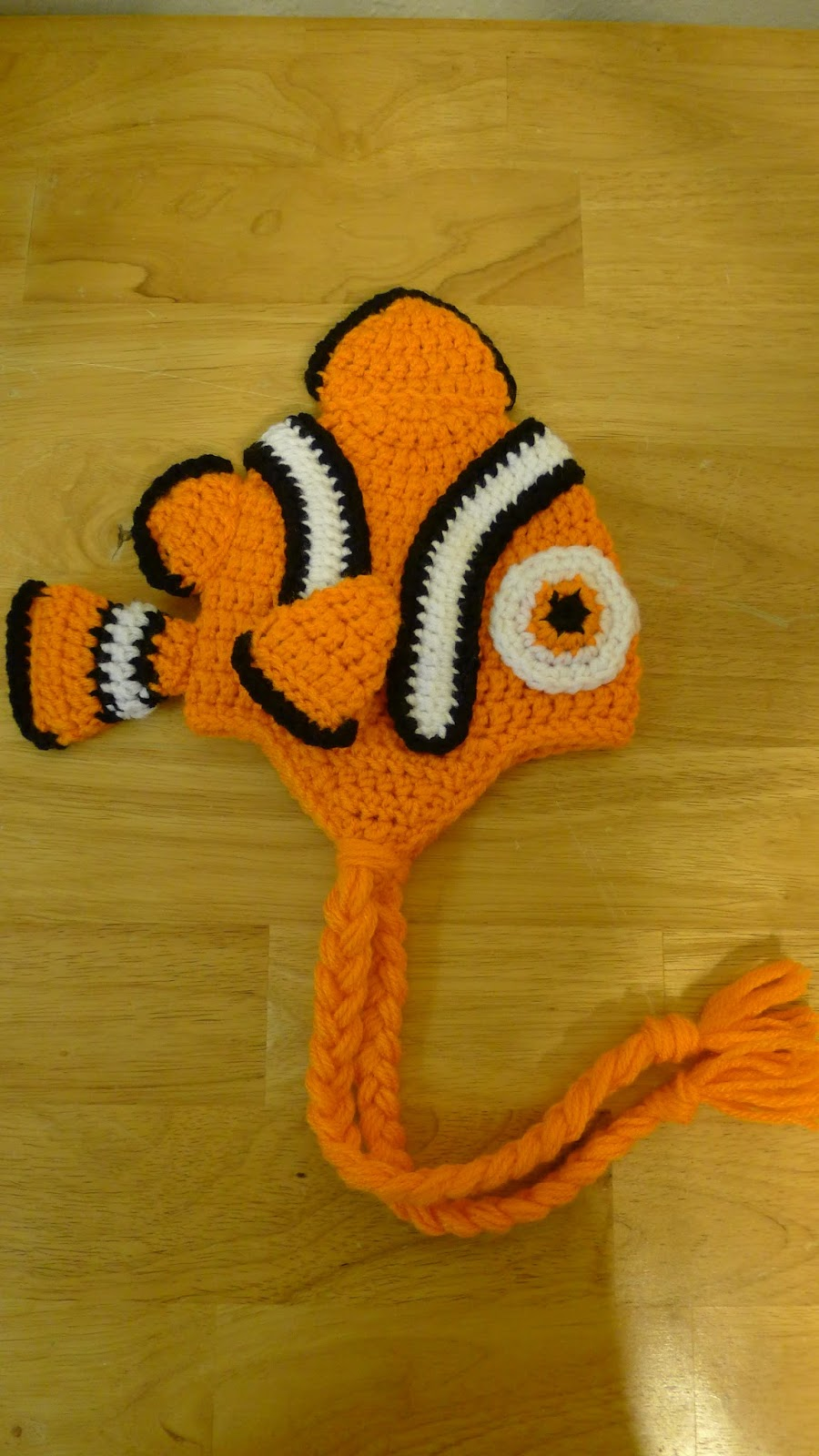 mnopxs2 the blog: Crochet Clownfish Hat