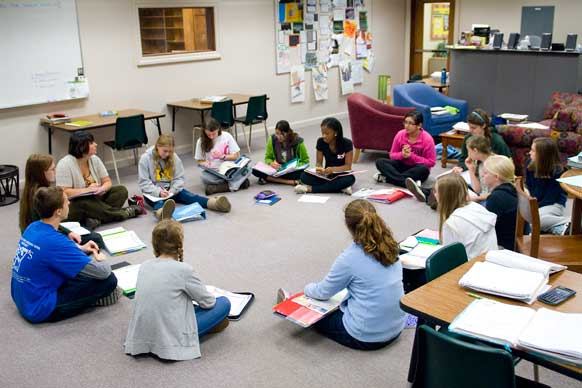 Classroom Design For Discussion Based Teaching : Classroom management and strategies based instruction