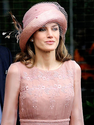princess letizia wedding dress. princess letizia wedding