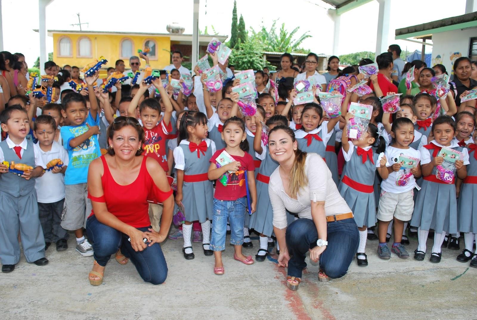 Baños Para Jardin Infantil: de bonitos regalos, los padres de familia recibieron de Nayeli Jarillo