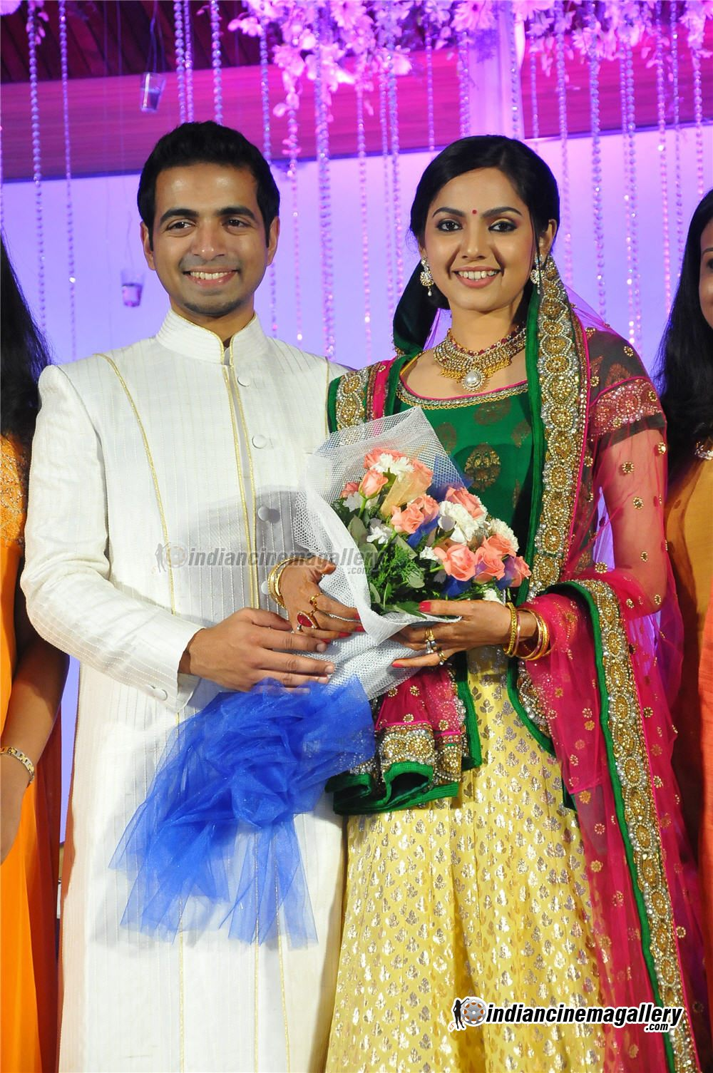 Samvritha Sunil Marriage Reception Photos 2018 Images Pictures