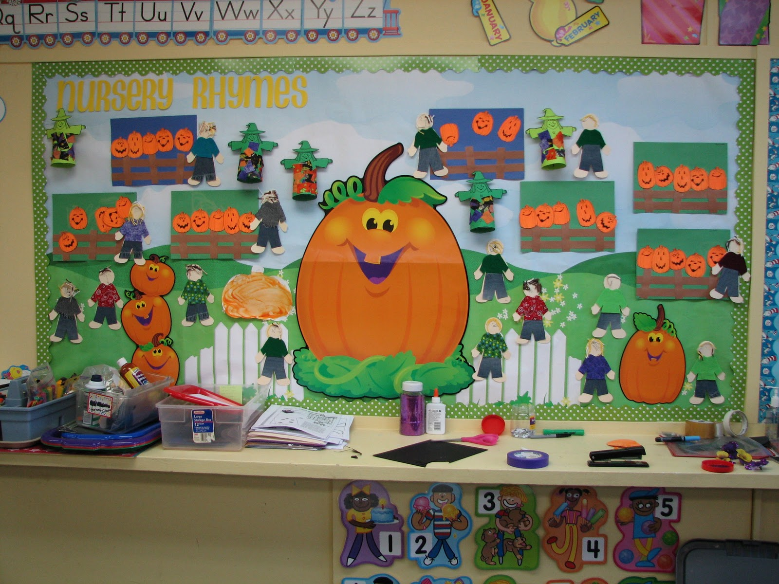 October Bulletin Board Ideas Preschool http://terrific2s.blogspot.com/2011_11_01_archive.html
