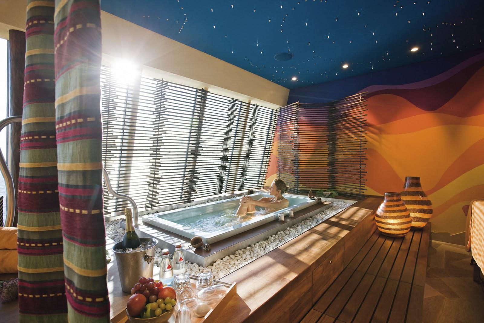 Cabinas De Baño Corona: AidaSol puedes disfrutar de un relajante baño de burbujas mientras