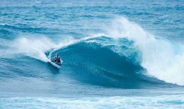 2 Vans World Cup of Sufing 2014 Garrett Parkes Foto ASP
