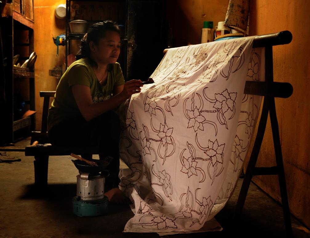 Membuat Batik Tulis