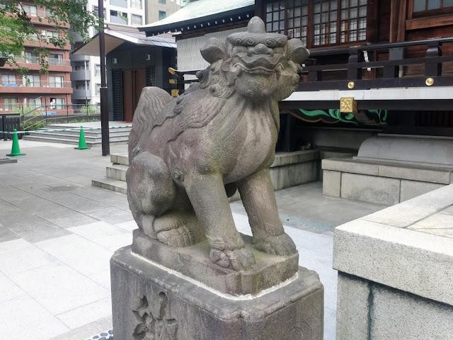 熊野神社,狛犬,拝殿,新宿〈著作権フリー無料画像〉Free Stock Photos