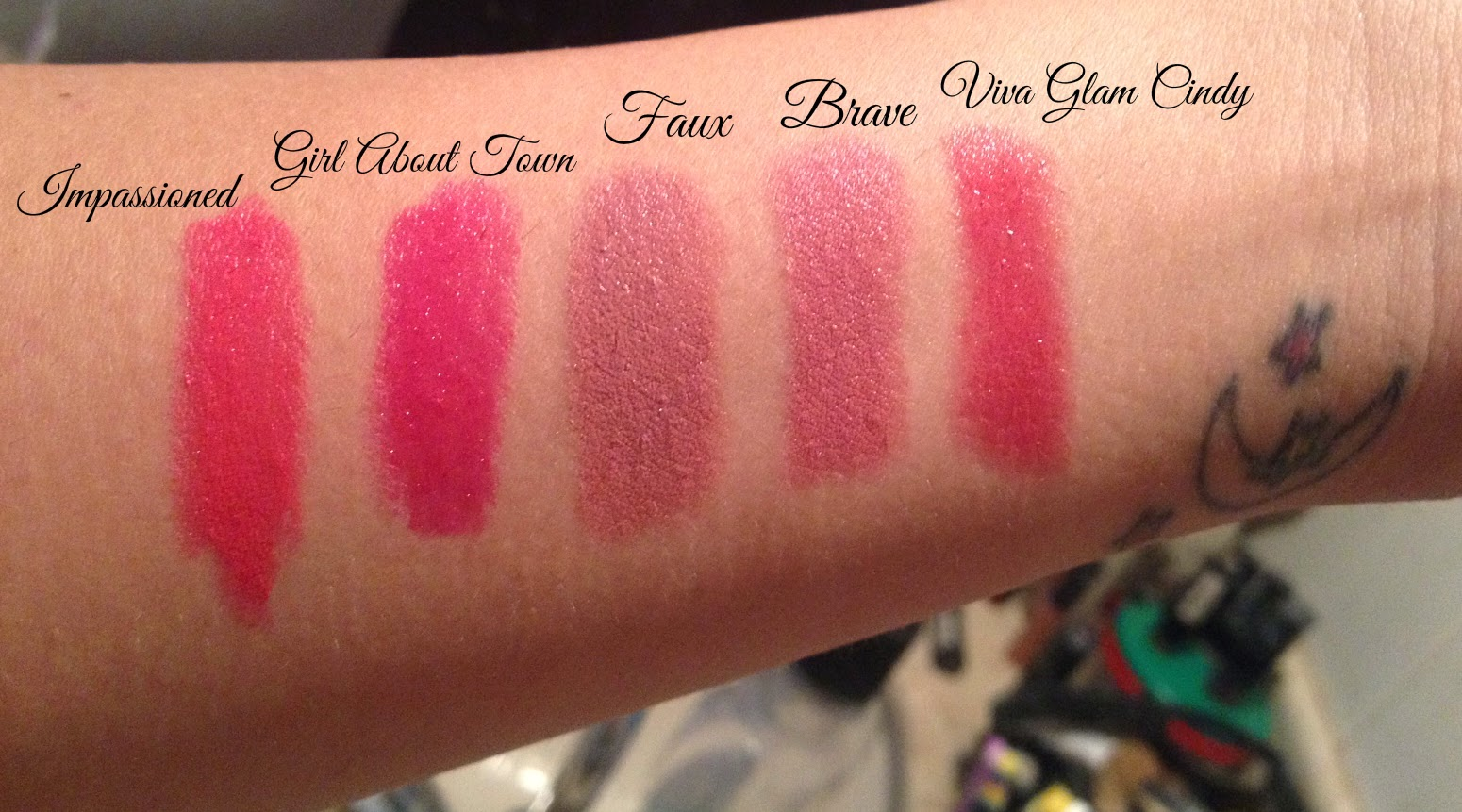 swatches batons mac