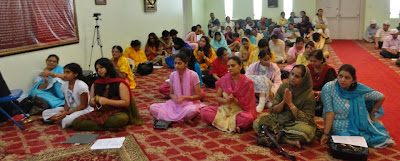 Spiritual lecture on Karma, Gyana and Bhakti Yoga by Kripaluji Maharaj's Swami Nikhilanand in New York