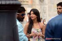 Allu Arjun Shruthi Hassan Race Gurram Movie New Working Stills+(2) Allu Arjun   Race Gurram Latest Working Stills