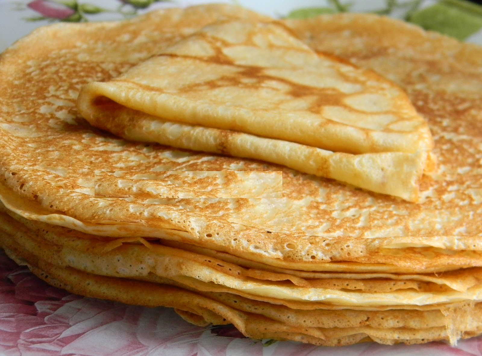 Crepes must be served warm with granulated sugar and a little lemon ...