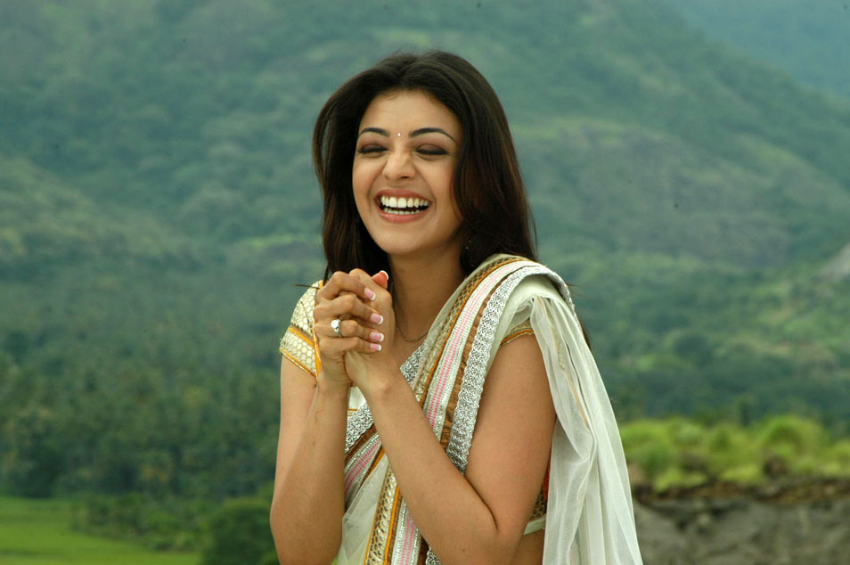 Singham Babe Kajal Agarwal Stills in Saree