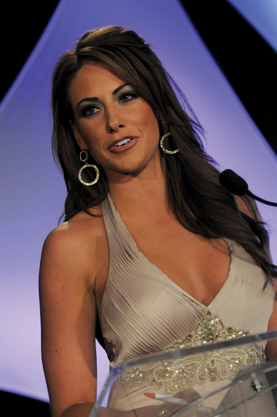 Today's hot chick is Holly Sonders. Holly is the golf channels number