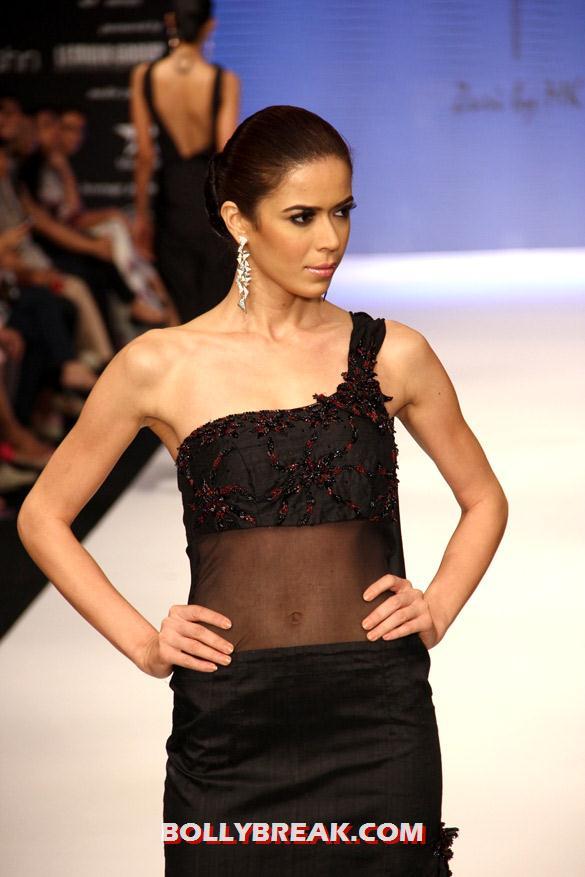 , Models Walk The Ramp At Iijw 2012