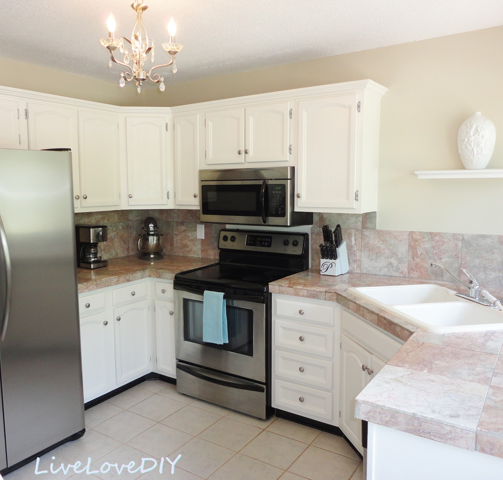 best paint color for white kitchen cabinets