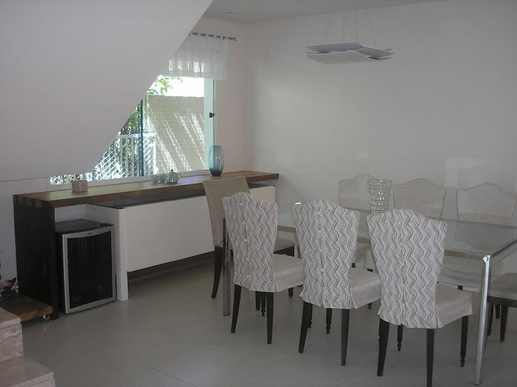 DEPOIS - Reforma de sala de jantar aproveitando os moveis existentes.